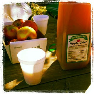 Enjoying #apple #cider and #ciderdonuts with the family at #sunnycrest #farm #newhampshire  #appleorchard #farmstand #fall