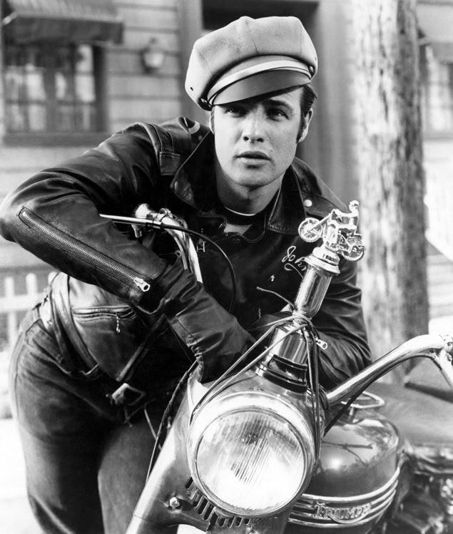 O ator Marlon Brando em cena do filme 'O Selvagem' (1953), com direção de Laszlo Benedeck