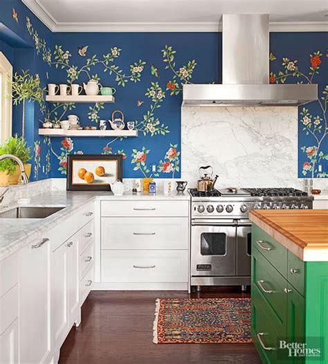 kreatif aplikasikan wallpaper  dapur rumah