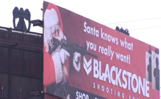 Gun-totin' Santa raises eyebrows in Charlotte, North Carolina