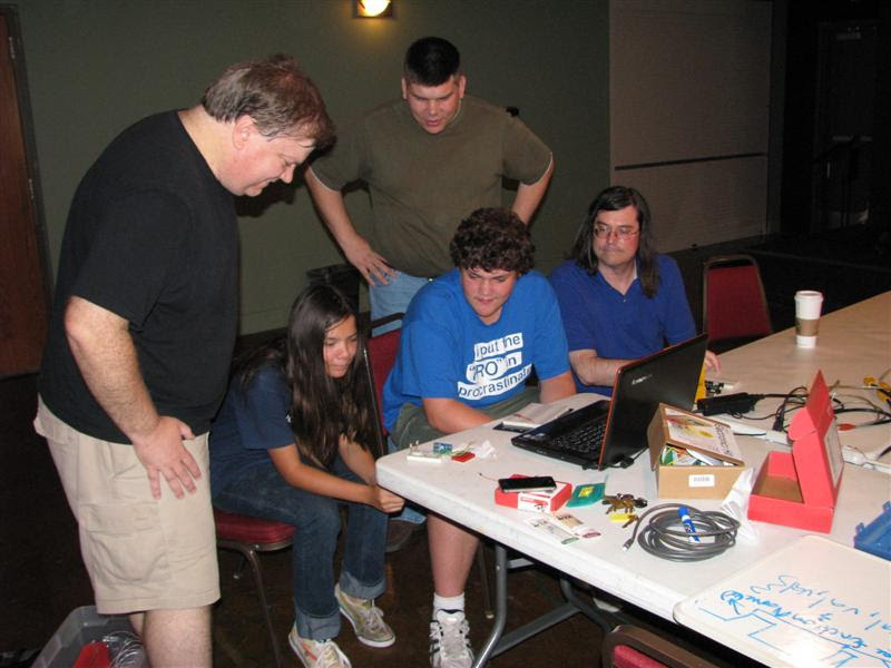 http://www.fincher.org/images/2011-08-22-2130-Arduino1.jpg