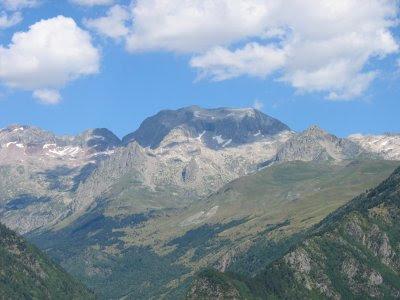 Cara sur del Pico Perdiguero. Wikipedia.