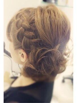 ミディアム ヘアアレンジ 結婚式 - 結婚式にお呼ばれした時の髪型・ヘアアレンジ集【ロング