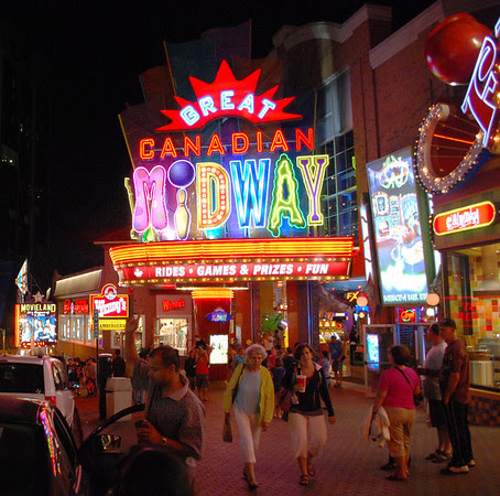 Clifton Hill Midway area