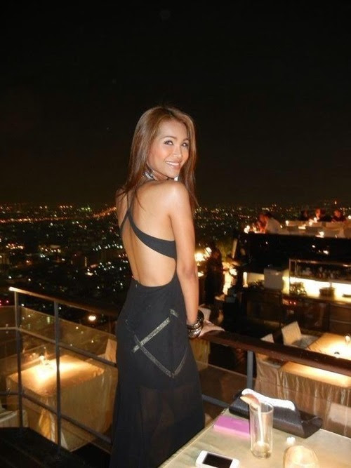 Kamolrose Thunphirom is a transsexual model from Thailand