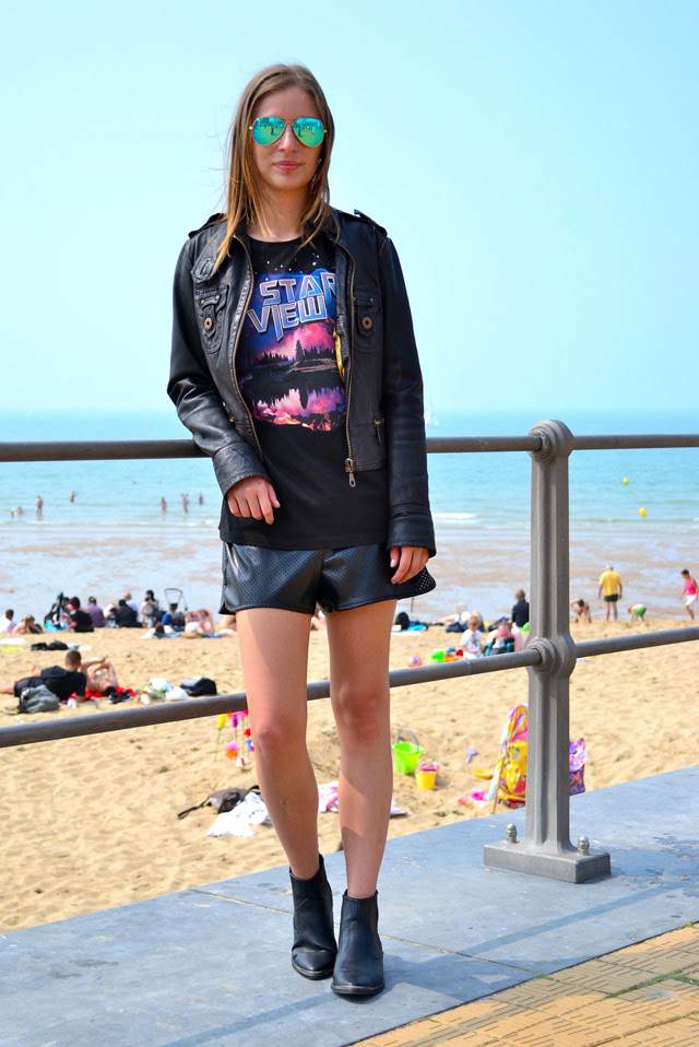 beach oostende belgium ray ban mirror rayban aviator 3025 zara mesh perforated shorts biker boots h&m divided balenciaga inspired sci-fi t shirt river island leather jacket summer outfit turn it inside out fashionblogger blogger