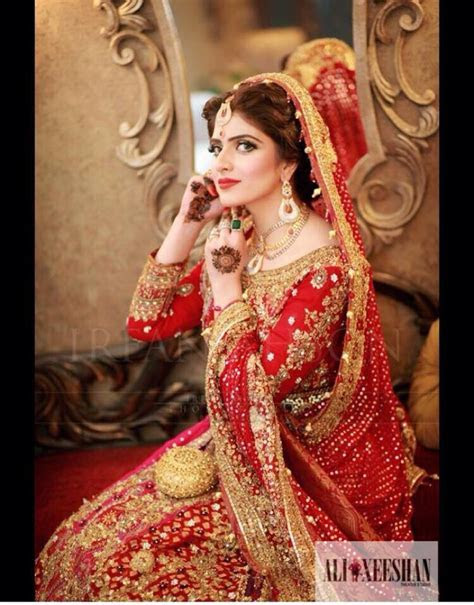 Beautiful Pakistani Bridal Dresses Pictures Designs 2017