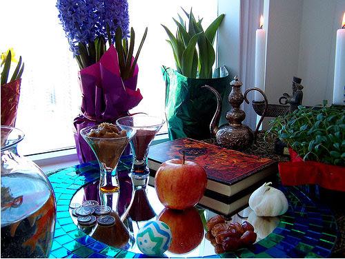 Perzsa újévi (Noruz) terített asztal