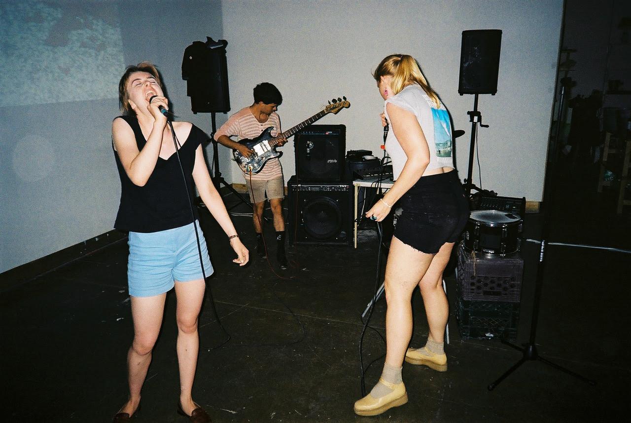 http://24.media.tumblr.com/tumblr_m6ylfepMlY1qgwcnpo1_1280.jpg