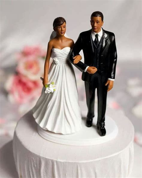 Black couple cake topper   My Wedding boutique   Bride