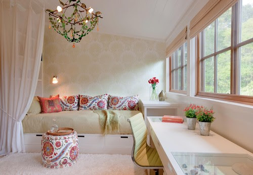 8 Beautiful Interior Design Photos, Floral Paisley Print Living Room | Live Love in the Home