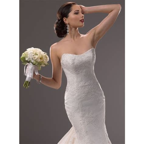 Dior Bridal Salon   Dearborn, MI Wedding Dress