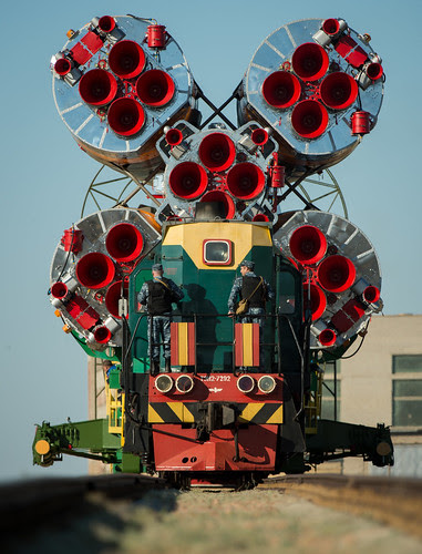 Expedition 36 Soyuz TMA-09M Rollout (201305260012HQ)