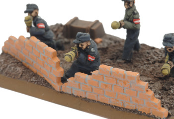 http://www.flamesofwar.com/Portals/0/all_images/german/Infantry/GE827-31.jpg