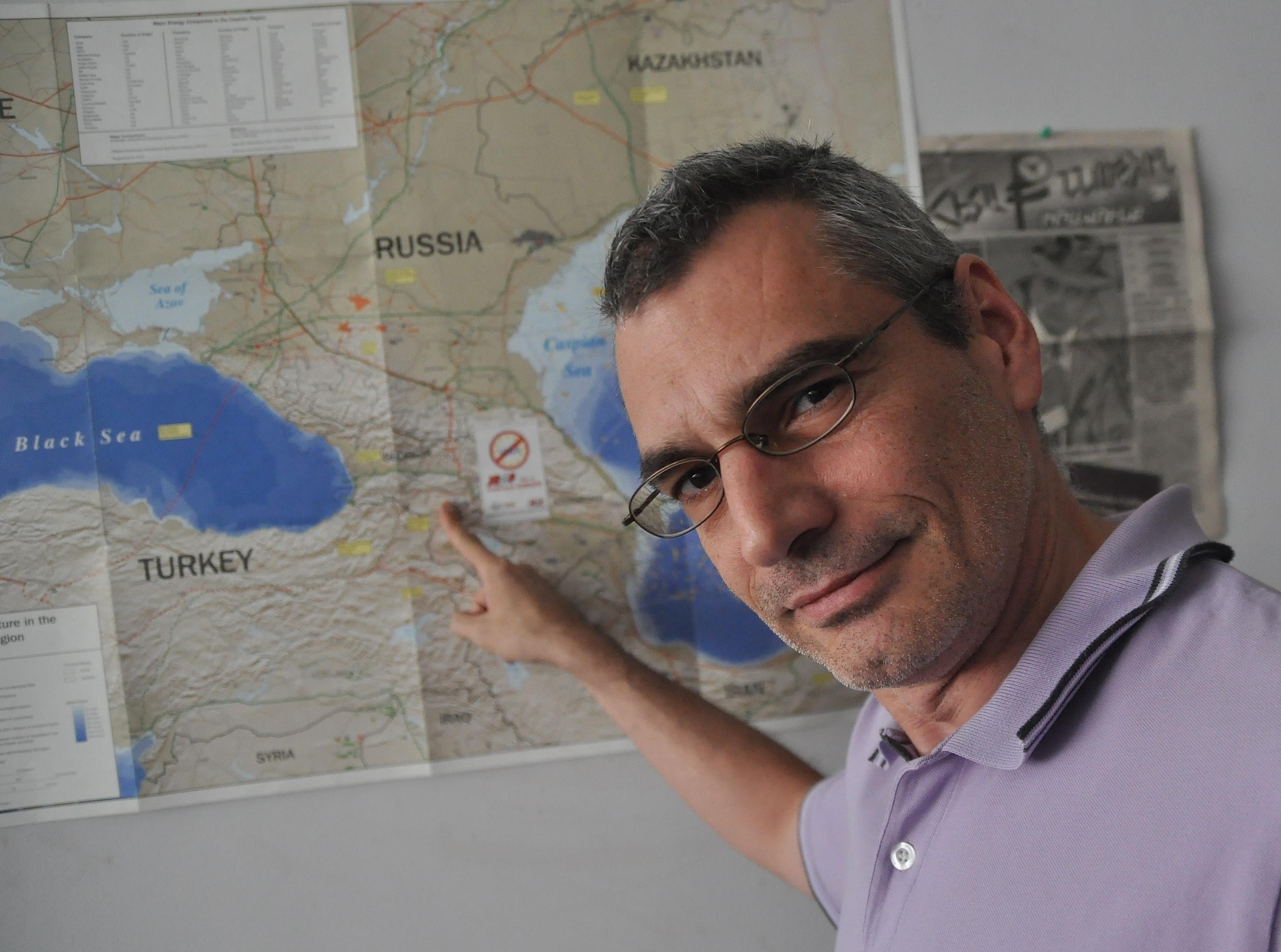 http://eurocaucasusnews.files.wordpress.com/2011/10/r-g_0011.jpg