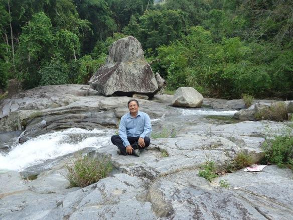 Tắm tiên ở Chư Yang Sin (Krông Bông- Đắk Lắk)