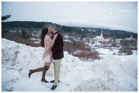 A winter engagement session in Stowe, Vermont   Best