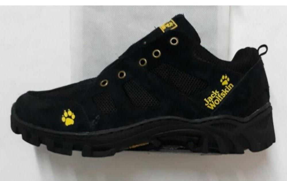 SALE Jual sepatu outdoor sepatu pria sepatu tracking sepatu hiking sepatu  safety sepatu gunung sepatu jack wolfskin Kudus 7cbf2844ac
