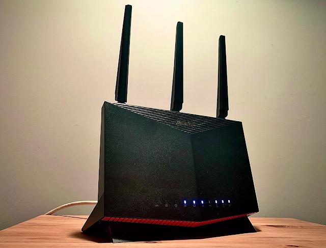 【網店特價 $2,699】ASUS RT-AX86U 雙頻 WiFi 6 網速 AX5700!
