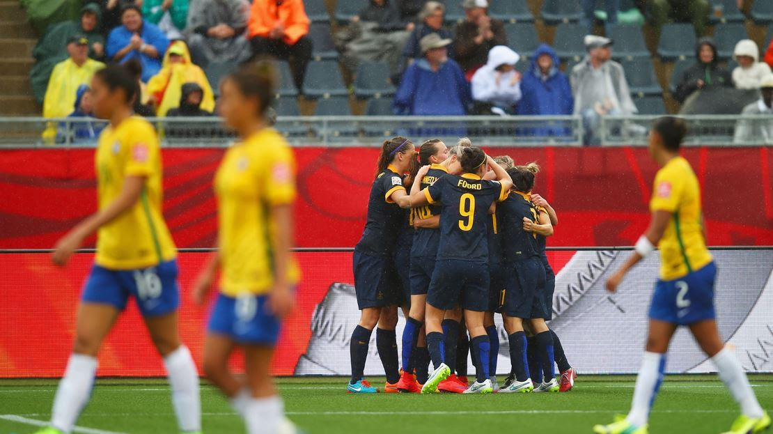 Australia echa a Brasil