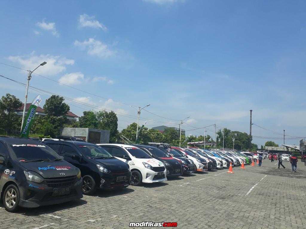 Ratusan Mobil Agya Ramaikan Jambore Nasional TAC Pertama
