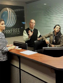 steve-Labriola-dizendo-afiliados-to-go-away-Telexfree-office-march-2014