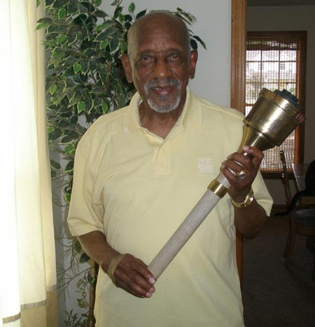 Harrison Dillard with Olympic Torch (photos by Debbie Hanson)