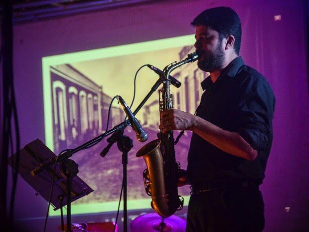 A paixão pelo saxofone fez Junior Castro se especializar em instrumentos de sopro (Foto: Vanessa Barros/Divulgação)