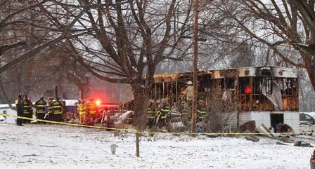 Bombeiros investigam incêndio no trailer em Penfield