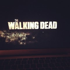 10/12 watching the walking dead #12v12 #12von12