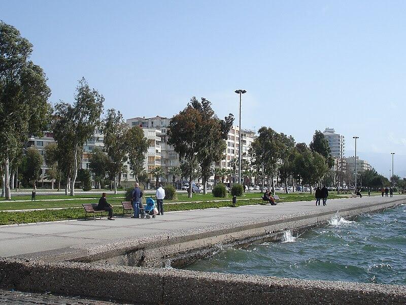 Dosya:İzmir Bostanlı.jpg