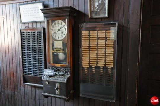 Sejarah Mesin Absensi