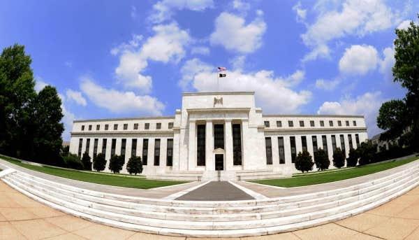 http://media1.ledevoir.com/images_galerie/77390_68468/reserve-federale-americaine.jpg