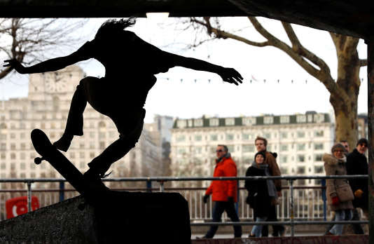 Un skatepark à Londres, type d'équipement pensé comme mixte qui dans l'immense majorité des cas est un espace masculin.