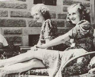 Eva and Gretl Braun1