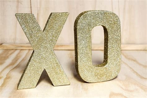 Gold Glitter 'XO' Letters   Wedding Hire   Envy Events