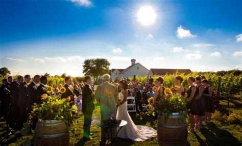 Chamard Vineyards in Connecticut   Wedding Reports Connecticut