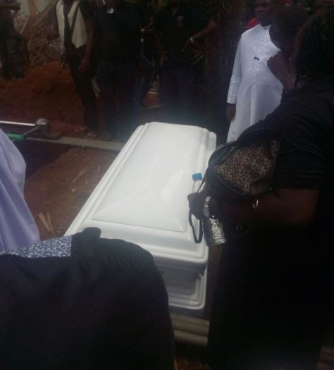 Photos from the burial of Nnamdi Obasi, son of IMSU Vice Chancellor, who died two years after his wedding
