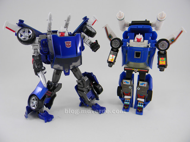 Transformers Tracks United Deluxe - modo robot vs G1