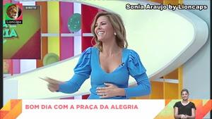 Sonia Araujo sensual no praça da Alegria
