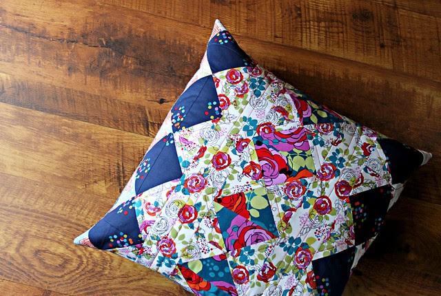 A Garden Gate Patchwork Pillow Tutorial