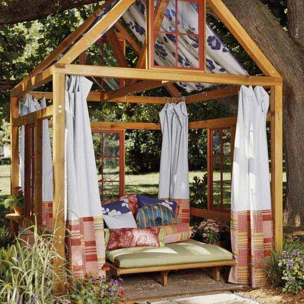 DIY-Backyard-Pergola-WooHome-8