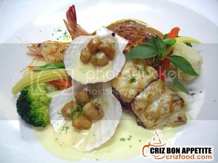 CHICKEN SEAFOOD COMBO GRILL