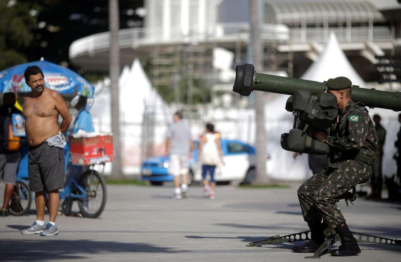 2016-07-09T152235Z_1536625968_S1BETOPKRBAA_RTRMADP_3_OLYMPICS-RIO-SECURITY