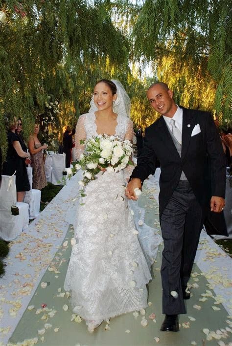 Jennifer lopez wedding dress   Luxury Brides