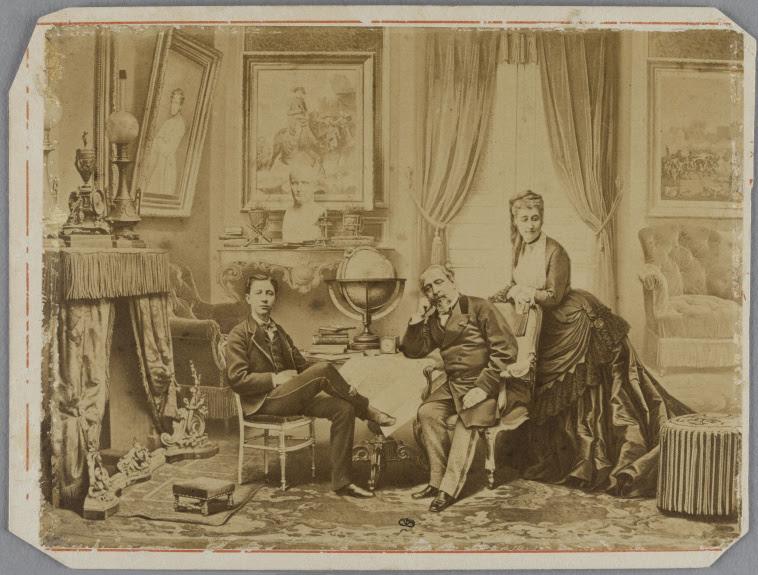 File:La famille impérial en exil à Camden Place 1872.jpg