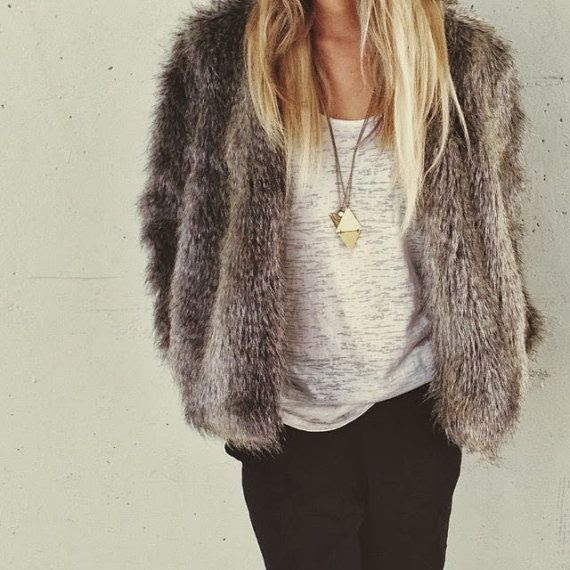fall / winter style. Ok I like this. It reminds me of my great grandmother. It must be fake fur or I will not wear it.