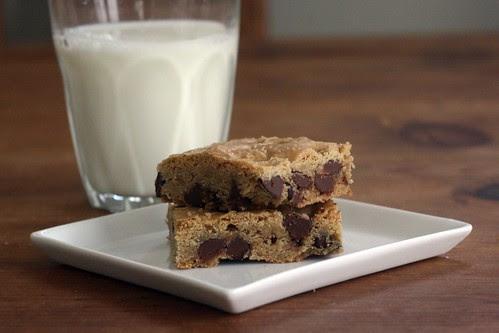 chocolate chip cookie bars 2