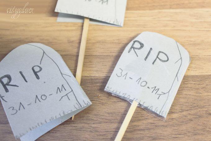 http://i402.photobucket.com/albums/pp103/Sushiina/grave1.jpg
