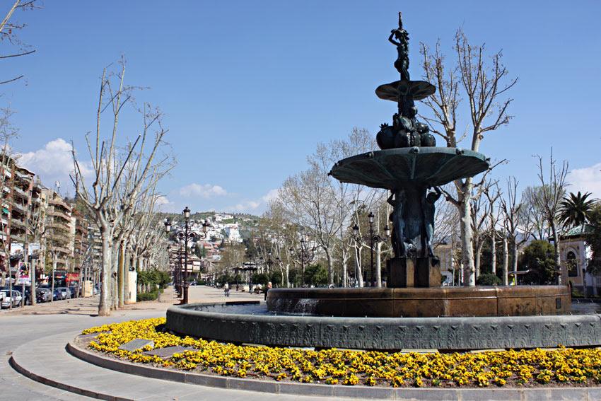 Fuente en Plaza del Humilladero, Granada